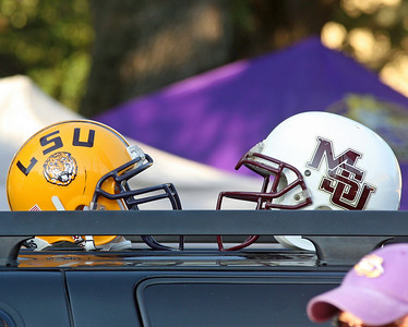 COLLAGE FOOTBALL 2008: Mississippi State @ LSU in Baton Rouge.  Tigers win.