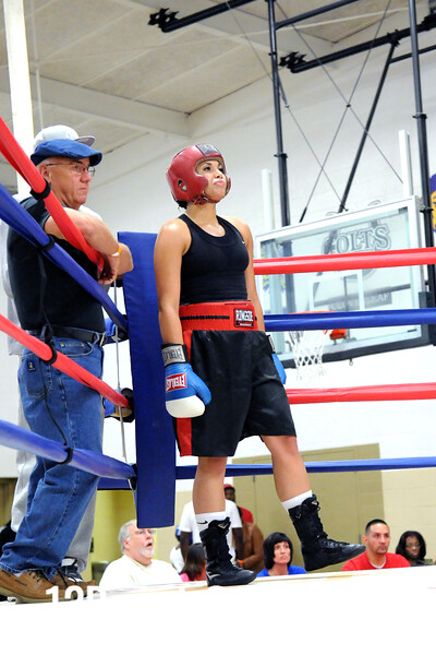 Bout 4 Shianne Gist, Boards BC, Knoxville -vs- Tiffany Walker, Empire BC, Cleveland (Female) 141 lbs