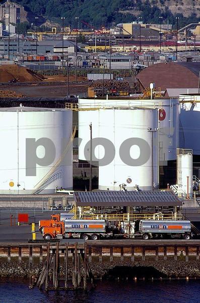 Oil tanks, Tacoma 22.02.016.jpg