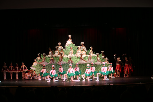 5678 Dance 2016 Holiday Fantasy