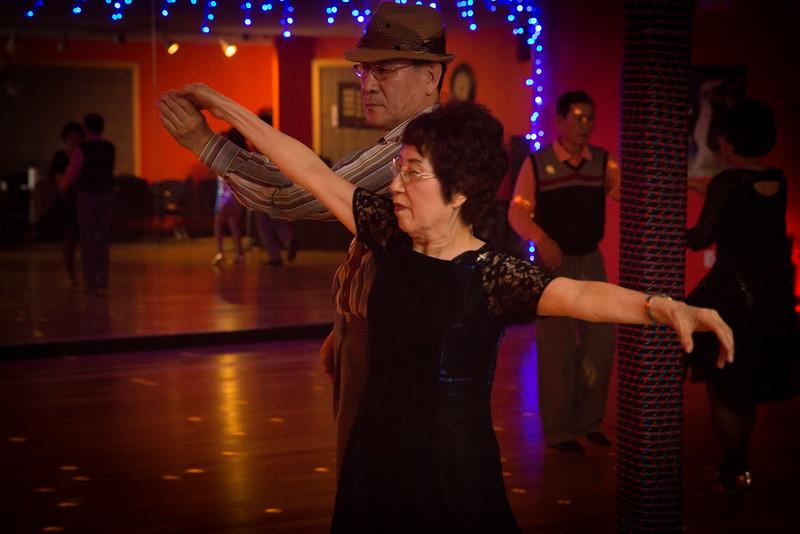Moms Dance Class 2015-2105.jpg