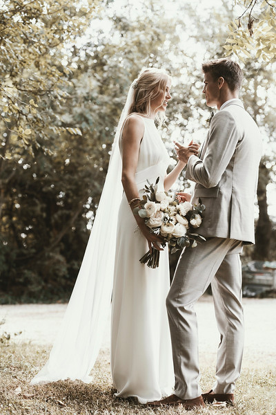 awardweddings.fr_Ellie and Mat_0708.jpg