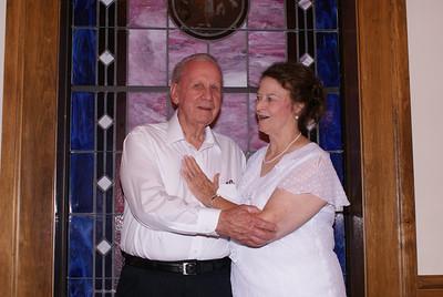 Julia Rae & Bob