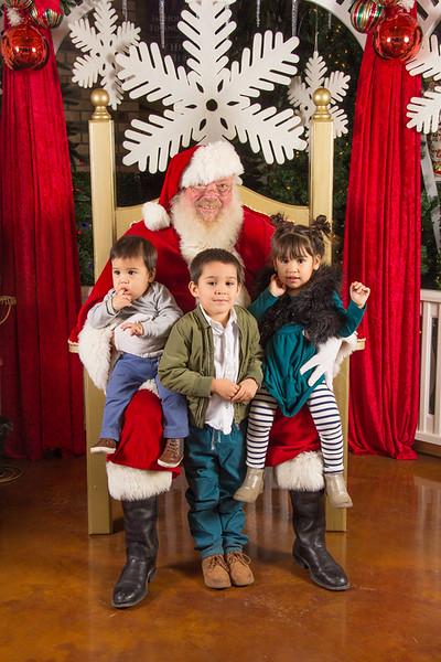 Santa 12-16-17-70.jpg