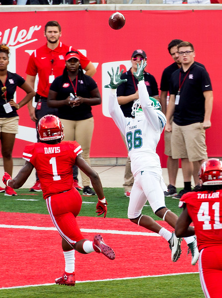 Mooney brings in Cuiellette's pass for a Tulane Touchdown.