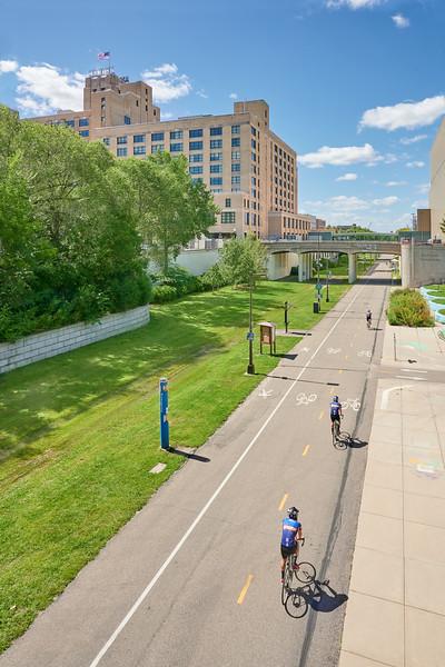 Midtown Greenway cyclists