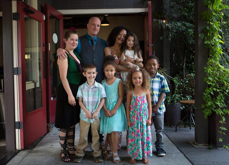 4 MandJ Family Portraits (15 of 20).jpg