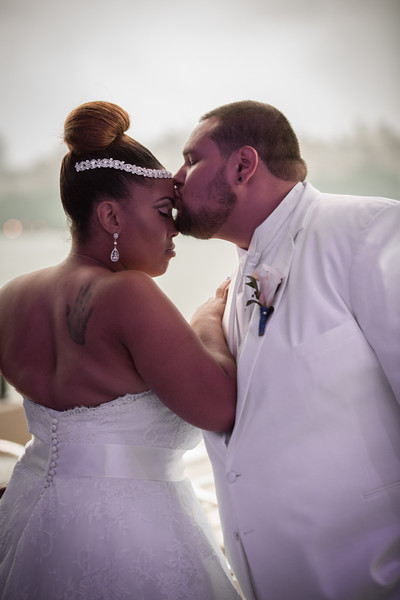 MEG_5469_tonya_josh_new jerrsey wedding photography.jpg