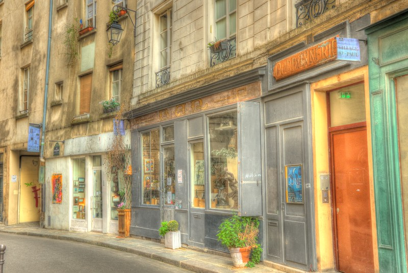 Village St. Paul in the hip and fashionable Le Marais district is home to many antique stores, art galleries and artisan shops.
