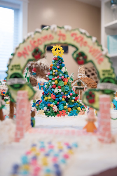 Gingerbread House-11.jpg