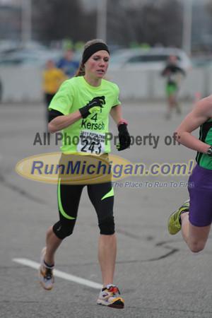 1 Mile Mark - 2011 Fifth Third Bank New Years Eve Run 5K
