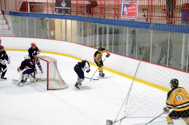 140913 Jr. Bruins vs. 495 Stars-010.JPG