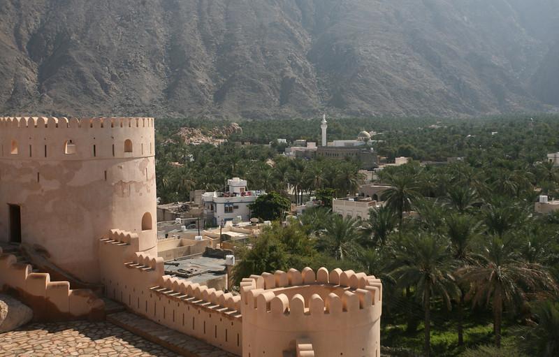 Nakhal, fort and village with minuret