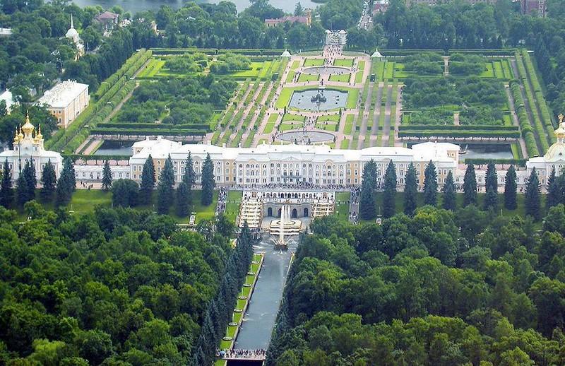 064-tomada-aerea-palacio-petershof.jpg