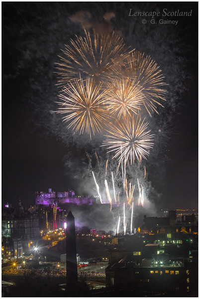 Fireworks over Edinburgh Castle from Calton Hill (2)