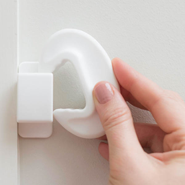 Fred_Home_Safety_Door_Slam_Stopper_Lifestyle_white_ (5).jpg
