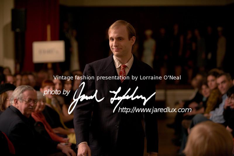vintage_fashion_show_09_f3260040.jpg