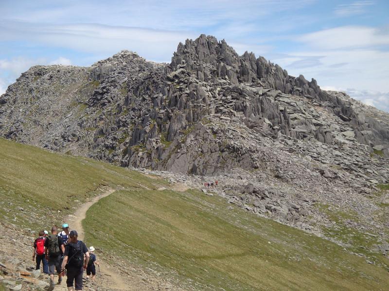 Castle of the Winds approach group Vegan 15 Peaks Challenge 2010.jpg