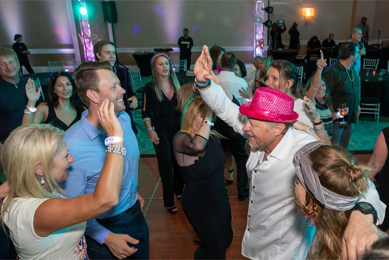 2019_11_Yachtail_Party_00928.jpg