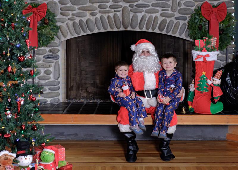 CB Santa 2019-7644.jpg