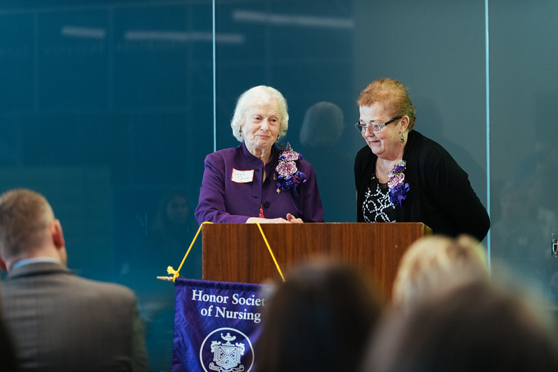 20190318_Sigma Theta Tau Hanging of the Charter-1346.jpg