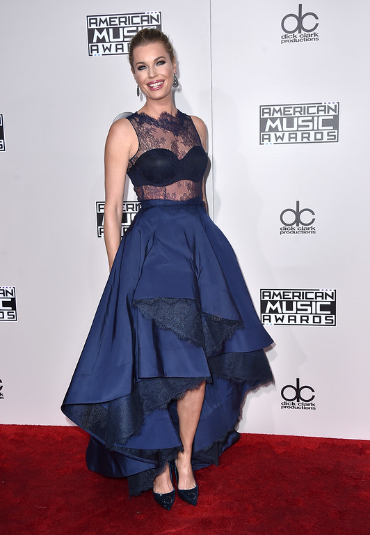 . Rebecca Romijn arrives at the American Music Awards at the Microsoft Theater on Sunday, Nov. 20, 2016, in Los Angeles. (Photo by Jordan Strauss/Invision/AP)