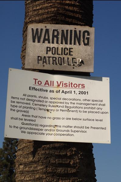 EvergrenCemetery043-WarningSign-2006-09-11.jpg