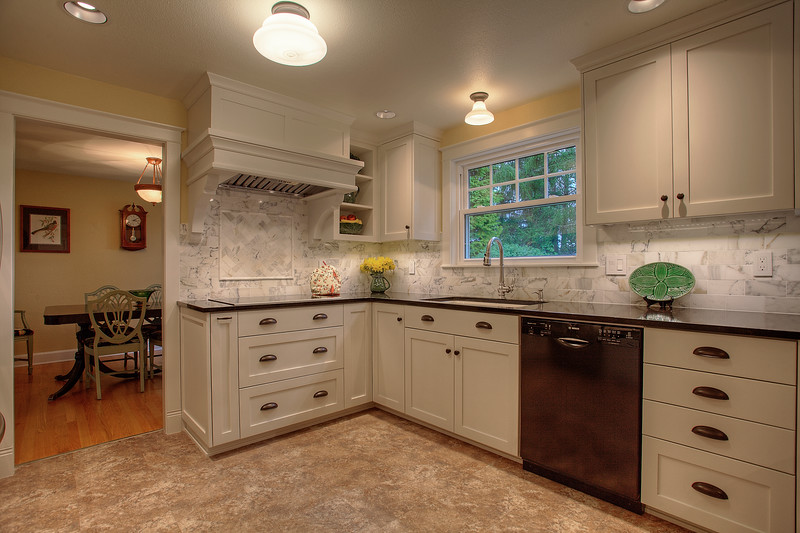 Hyland Cabinets - 925 18th St. SW