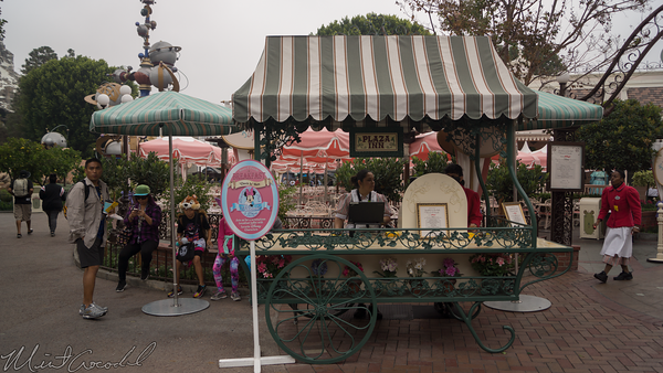 Disneyland Resort, Disneyland, Plaza Inn, Plaza, Inn, Restaurant, Birthday, Cart