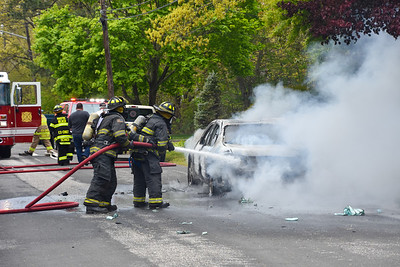2020.05.15 Mastic Beach Vehicle Fire 17 Appel Dr East