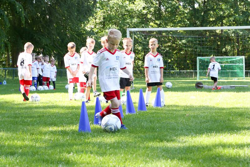 hsv_fussballschule-099_48048029857_o.jpg