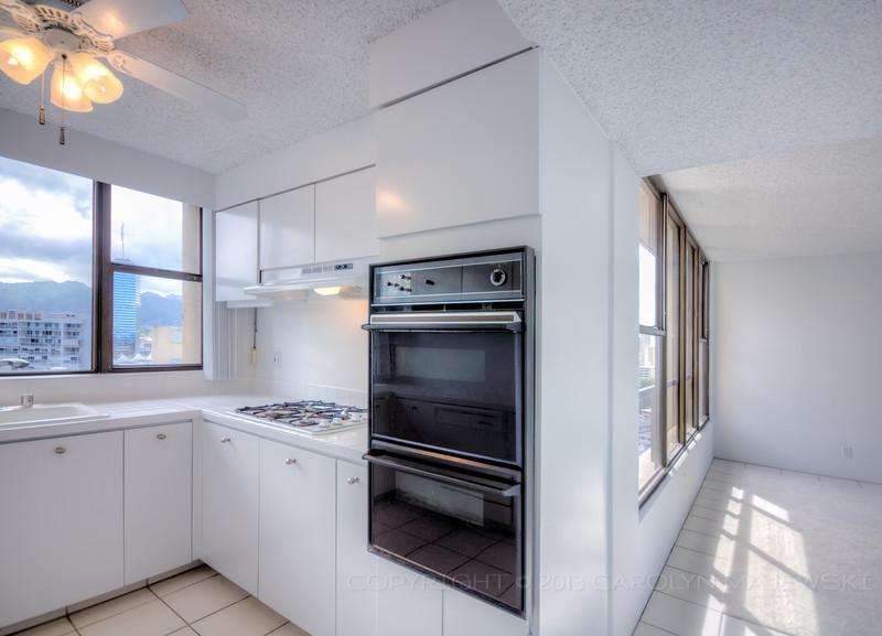 yacht-harbor-terrace-kitchen-dining.jpg
