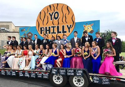 PHOTOS: Yo Philly! Pennsbury seniors arrive at the 'Best Prom in America'