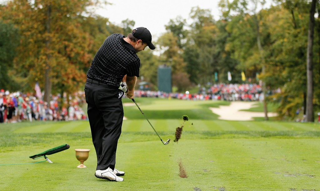 . Richard Sterne of South Africa and the International Team hits his tee shot on the eighth hole during the Day Four Singles Matches at the Muirfield Village Golf Club on October 6, 2013  in Dublin, Ohio.  (Photo by Gregory Shamus/Getty Images)