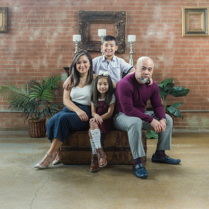 Hung & Van's Family Portraits