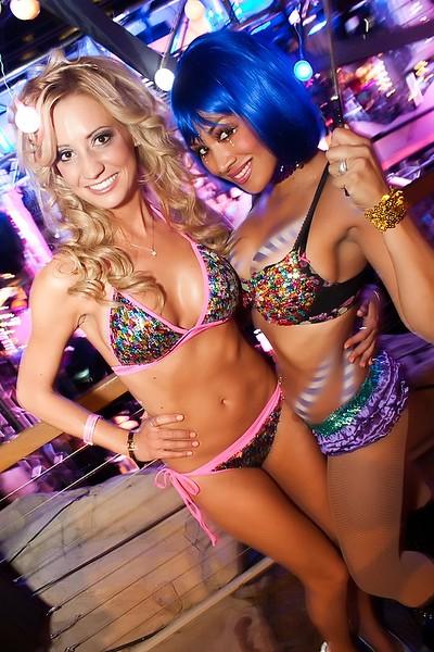 090112 Chris Brown @ Hard Rock Pool (44 of 103)_filtered.jpg