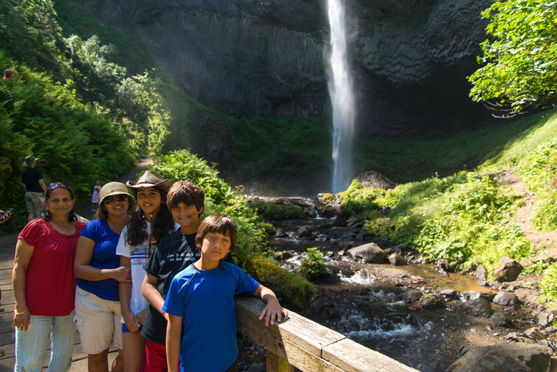 Mom, Neha, Nisha, Nikhil, and Keval at Latourell Falls