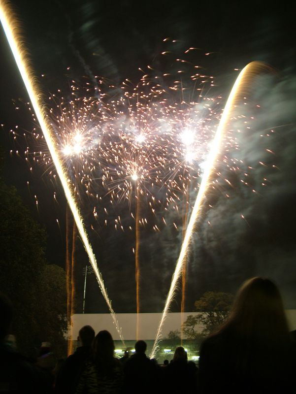2004_1105putneyfireworks20033.JPG