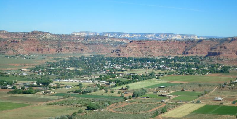 Kanab - aerial looking northwest - KCOT.jpg