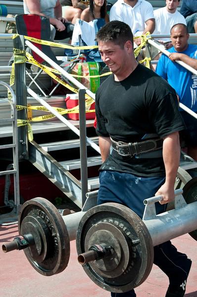 Strongman2009_Competition_DSC1966-1.jpg