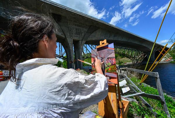 Artist draws inspiration from I-91 Bridge - 051917