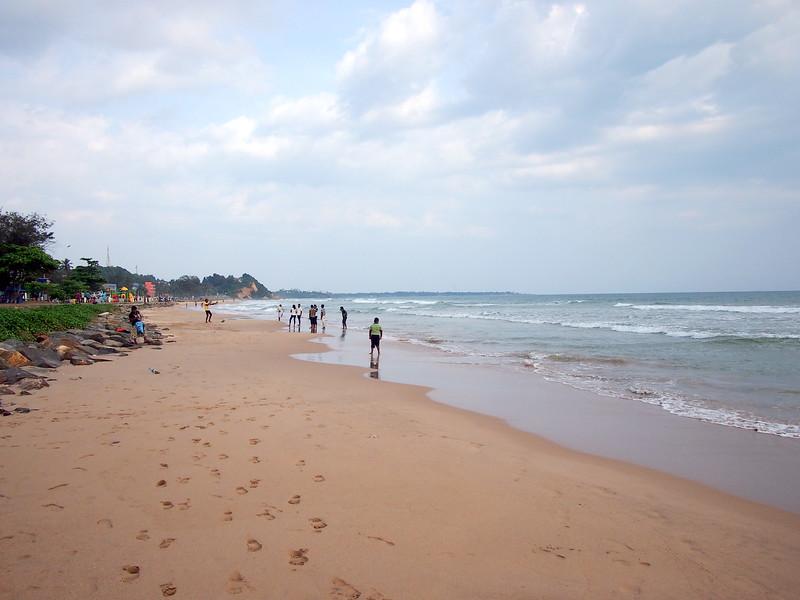P2178643-matara-beach.JPG