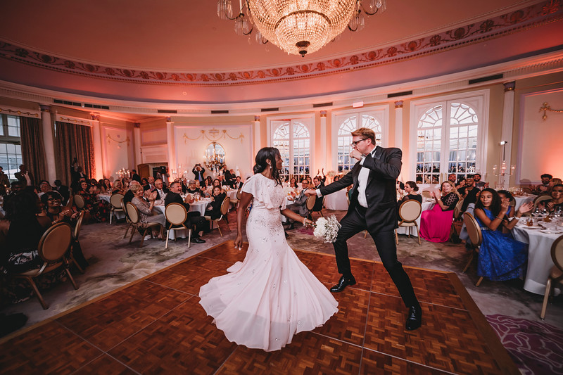 Montreal Wedding Photographer | Wedding Photography + Videography | Ritz Carlton Montreal | Lindsay Muciy Photography Video |2018_767.jpg
