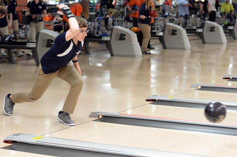 boys_bowling_9788.jpg