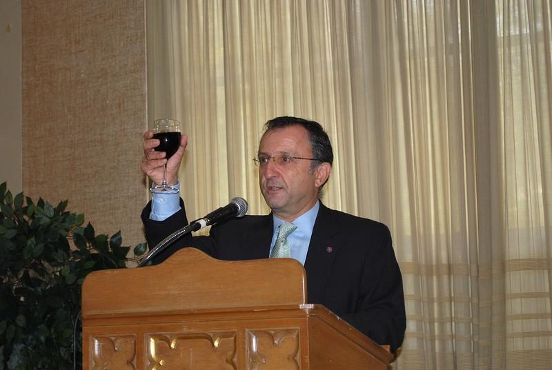 Aram Hintlian Parishioner of the Year 10-22-17 030.JPG