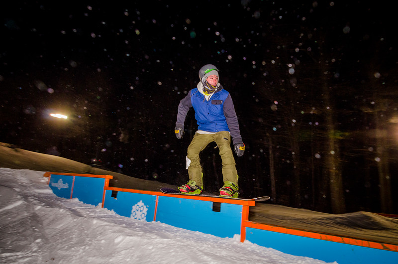Nighttime-Rail-Jam_Snow-Trails-107.jpg