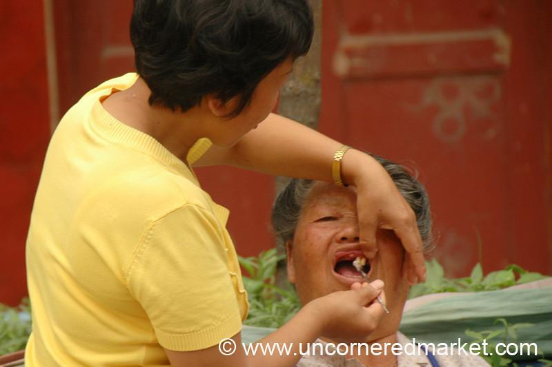 Chinese Street Dentist - Guizhou Province, China