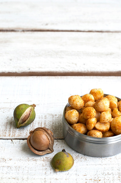 seasoned macadamia nuts