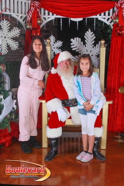 Santa 12-10-16-264.jpg