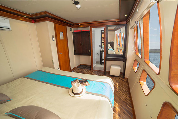 majestic-maindeck-cabin.jpg